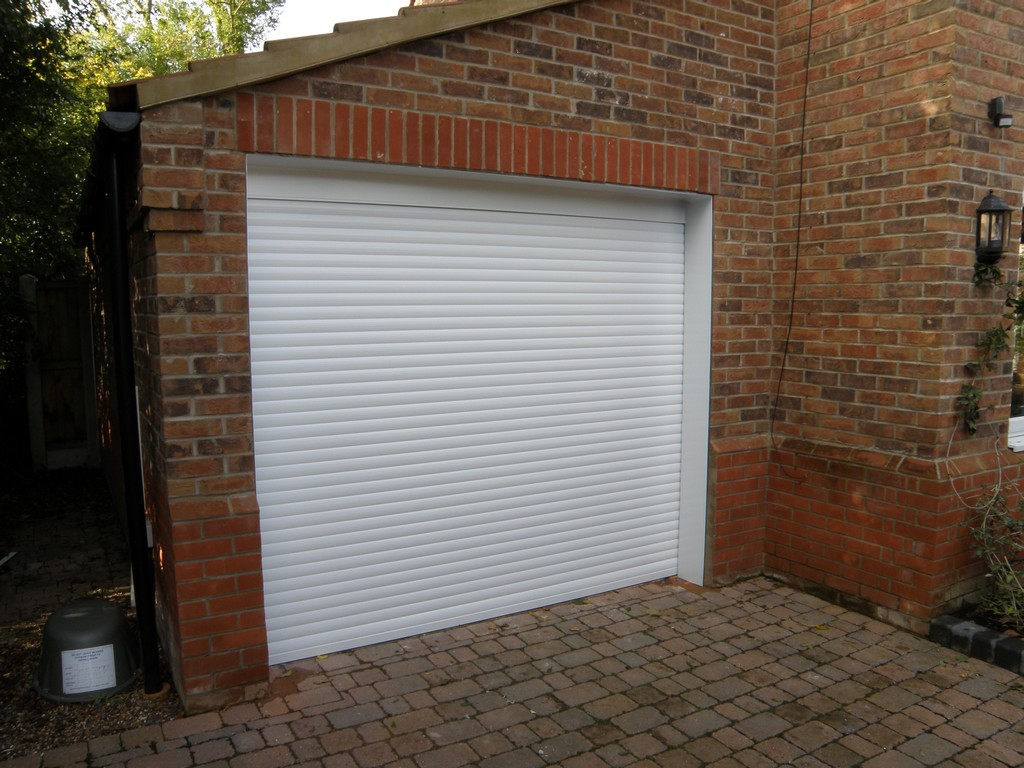 Garage doors for bristol and bath brunel doors ltd for Garage doors uk